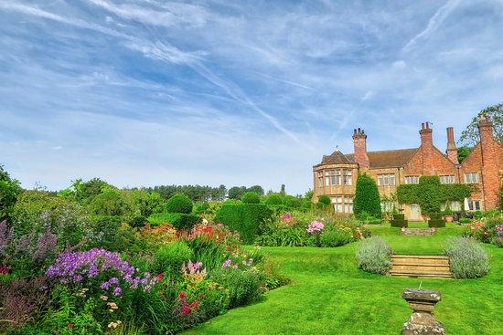 Underwood, UK: Beautifully maintained