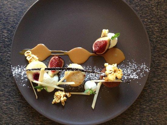 Saint-Jean-d'Angely, France: dessert en restaurant