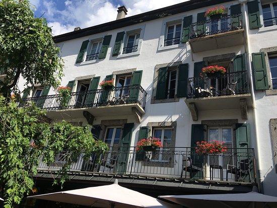 Hotel Les Cretes Blanches: Vakker utsikt fra balkongen mot Aiguille du midi!