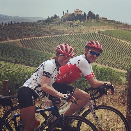Chianti 500 Rentals: beautiful scenery and great rental bikes from Castellina in Chianti a some days in the region :-