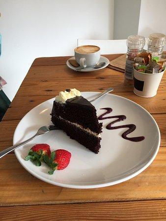 Scarborough, جنوب أفريقيا: Lovely Cake and Coffee