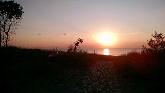 Chesterton, IN: Lake Michigan as the sun sets