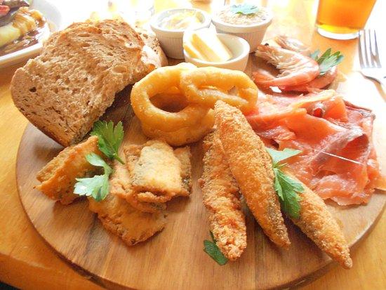 Alveston, UK: Assorted fish platter- excellent meal!
