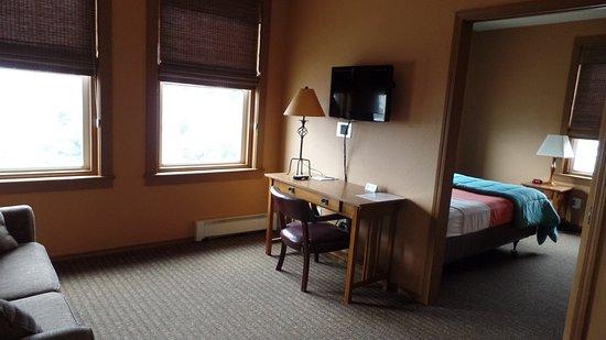 Cathlamet, Waszyngton: River facing two-room suite