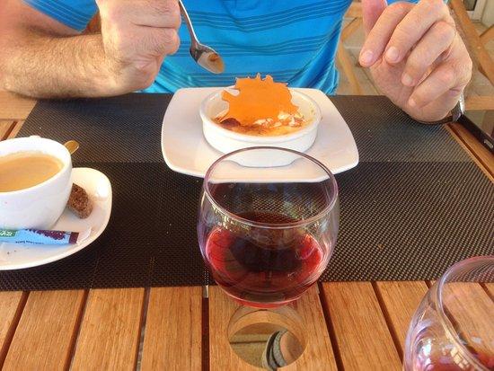 Salles-sur-Garonne, France : Crème brûlée