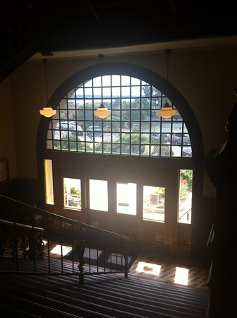 Jefferson County Courthouse: Interior entry architecture