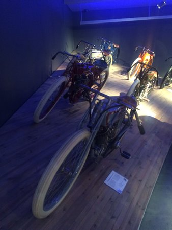 MC Collection Motorcycle Museum: photo1.jpg