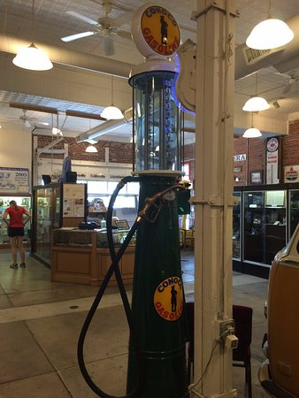 Pontiac, إلينوي: Well organized, with many artifacts 