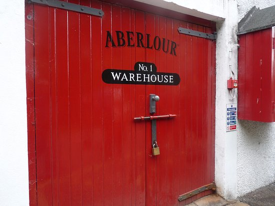 Aberlour Distillery Warehouse with casks - Love the red doors. & Warehouse with casks - Love the red doors. - Picture of Aberlour ...
