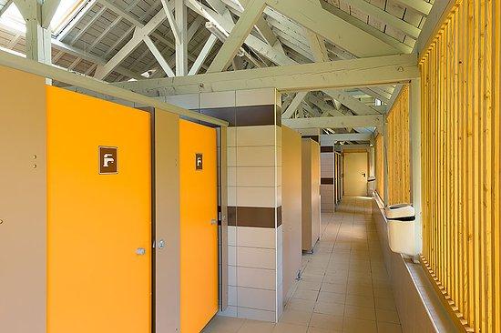 Doucier, Francia: sanitaire rénové