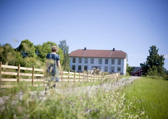 Sveinhaug Farm & Historic Pension