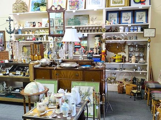 ‪Antiques & Collectibles of Walterboro‬