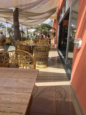 Reina Isabel Hotel: Das Café mit Blick auf Las Canterras