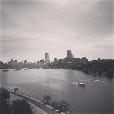 Hyatt Regency Cambridge, Overlooking Boston: photo0.jpg