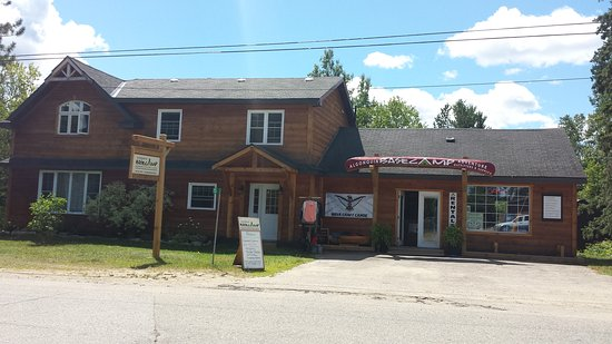 Kearney, Canada: Lodge and Outfitting shop