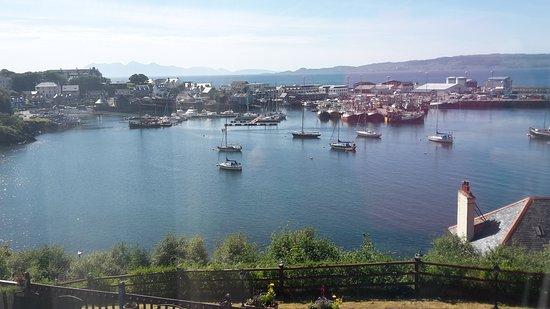 Craigrossie B&B: Incredible views over mallaig harbour