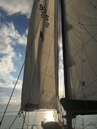 Tilghman, Мэриленд: full sail
