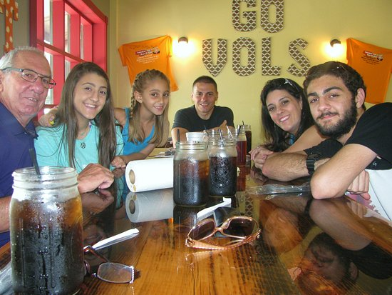 Smokin' Joes Bbq : The whole family LOVED this place!