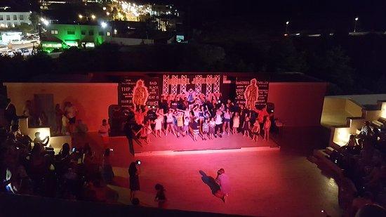Mitsis Rodos Village Beach Hotel & Spa: Evening entertainment