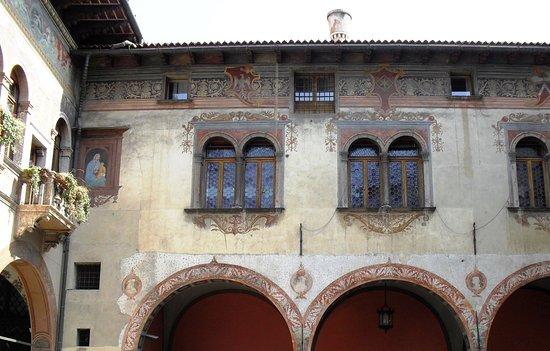 Palazzo Del Ben - Conti d'Arco in piazza Rosmini