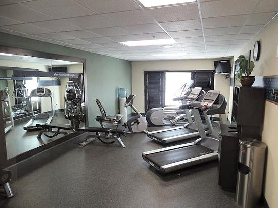 Hampton Inn Wilkesboro: exercise room
