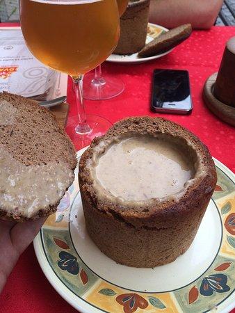 Очень вкусный грибной суп в хлебе !