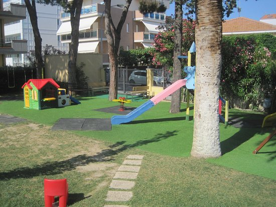 Green Park Hotel: parco giochi