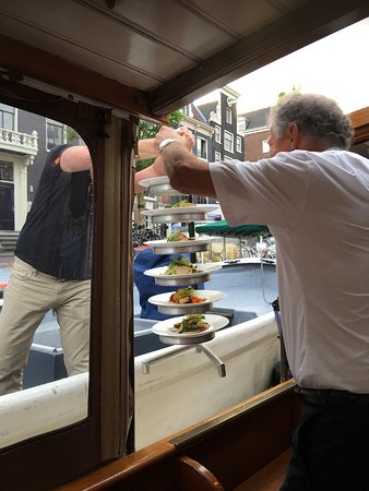 Amsterdam Jewel Cruises: Food delivery, warm, fresh and tasty