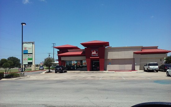 East view of Jack In The Box on Main Street Taylor, TX