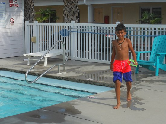 Island Inn of Atlantic Beach: Pool time fun!