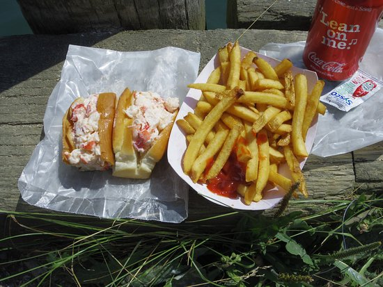 Vinalhaven, Мэн: Lobster Roll~ French Fries~ and a Coke