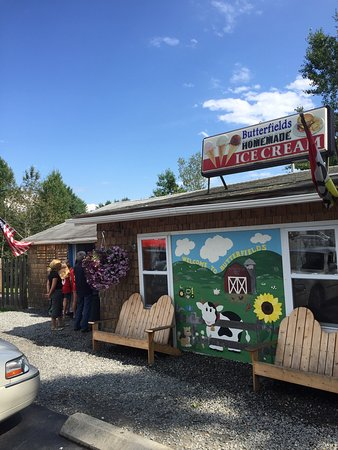 Dover Foxcroft, ME: Butterfield's Ice Cream