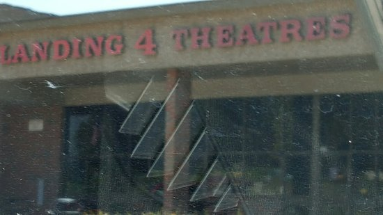 Leavenworth, KS: Landing 4 Theaters