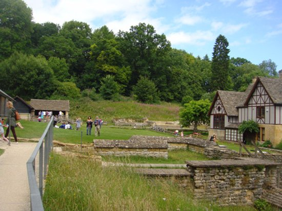Yanworth, UK: Overview infront of the Chedworth Roman Villa