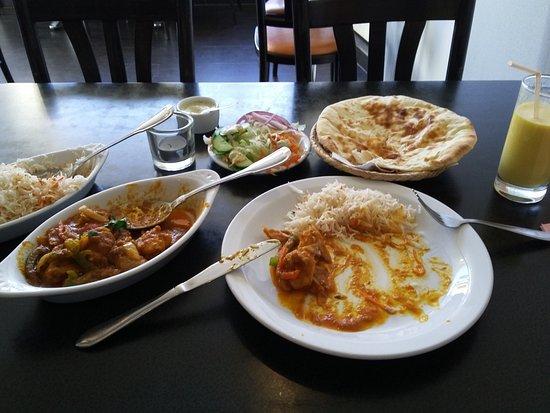 Sangam Tandoori: Chicken Jalfrezi, Peshwari Naan, Pilar Rice, Salad, Mango Lassi