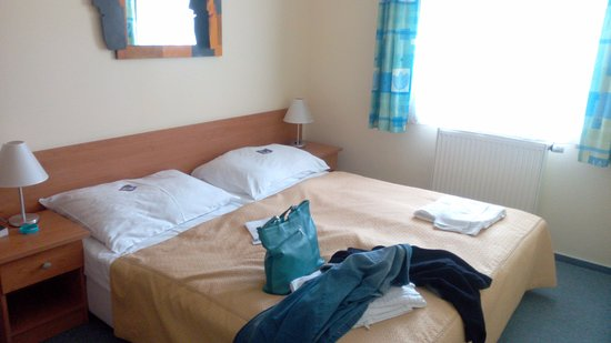 EA Hotel Tosca: Кровать
