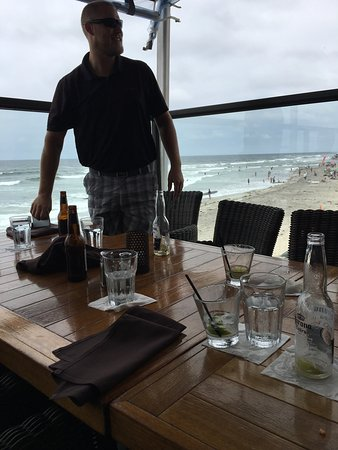 Cardiff-by-the-Sea, CA: Lunch on the beach