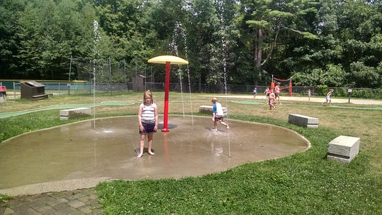 Ashford, CT: Splash pad