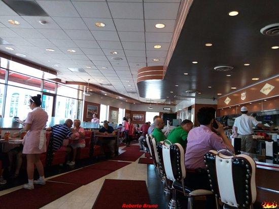 Ruby's Diner: Interno del Ristorante