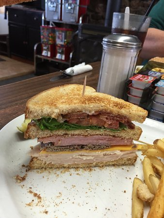 Saint Ignatius, มอนแทนา: Old Timer Club Sandwich