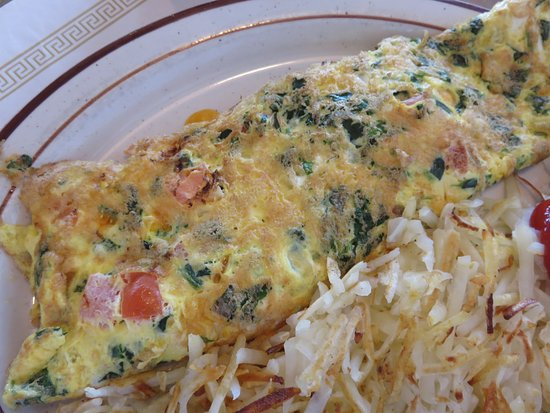 Waukesha, WI: Spinach and tomato omelet with cheddar cheese