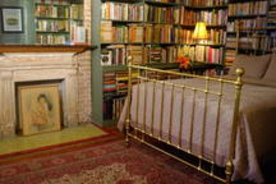 Jumel Terrace Bed and Breakfast : The Master Bedroom