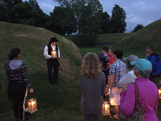 Annapolis Royal Candlelight Graveyard Tour: Our guide with the group