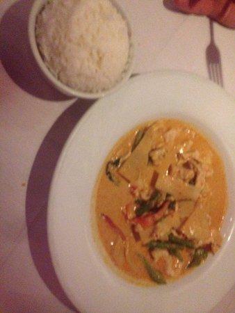 Thai Thai II: Red curry chicken