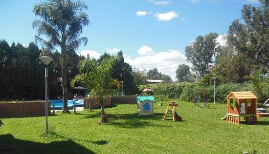 Foto de Hotel Aybal, Salta: Jardín - juegos para niños - TripAdvisor
