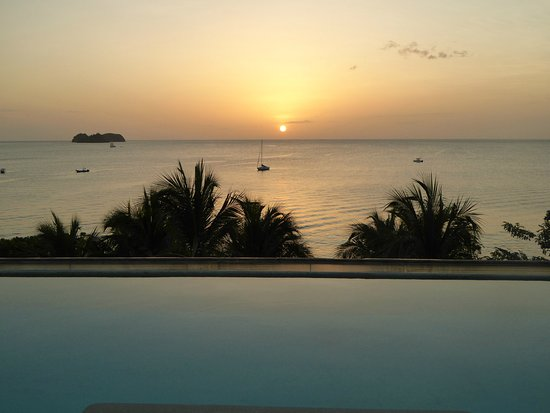 We had a beautiful stay in the Sol Y Mar suite for 6 nights in July 2016.