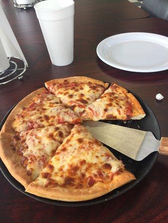 Goodfella's Pizzeria: photo0.jpg