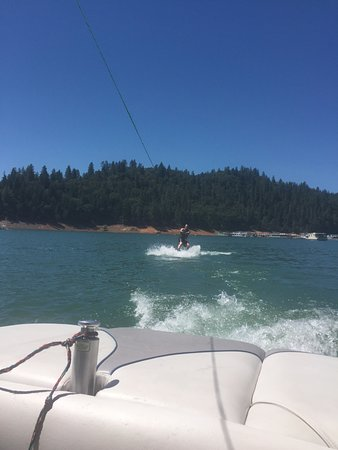 Weed, Kalifornia: Wakeboarding FUN