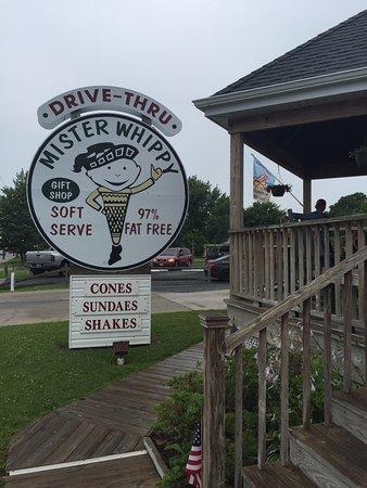Mister Whippy: Sign outside