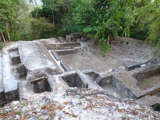 พิพิธภัณฑ์ & ซากปรักหักพังคาฮัล เพชของชนเผ่ามายา: excavation site
